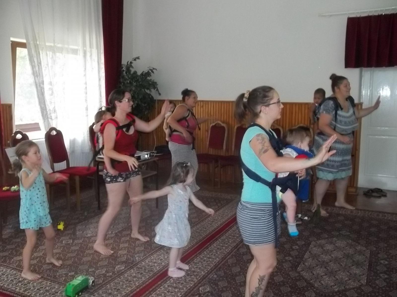 5.1Gyermekhordozós-latin-fitnesz_2019.06.28.B-3